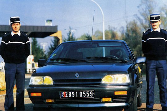 RENAULT 25 V6 TURBO