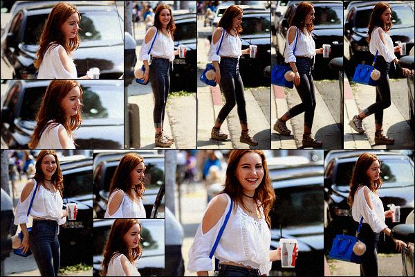 - 29/07//2016: Notre sublime Ivana Baquero a été prise en photos par les paparazzis à Beverly Hills. Plus : Les candids sont très très rare avec la jolie Ivana alors je suis super heureuse de la voir sortir, de plus dans une si jolie tenue ! --
