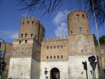 Quelques éléments sur l'armée romaine du IIIe siècle: III) fortification et évolution de la personne impériale.