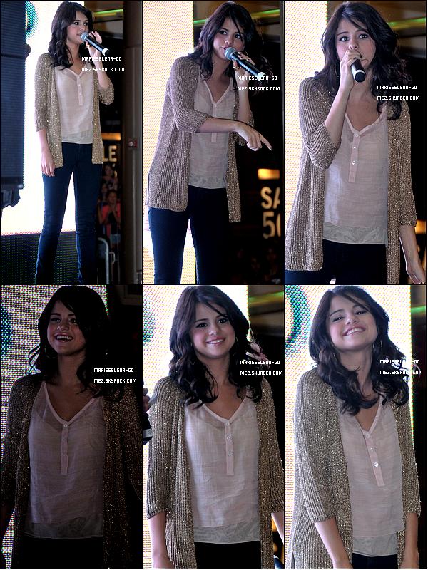 . 20/06/11  : Selena Gomez en promotion pour son film « Monte Carlo » en Pennsylvanie.   20/06/11  : Selena Gomez arrive à l'aéroport national de Philadelphie en Pennsylvanie.  20/06/11  : Selena Gomez mine fatiguée arrive à l'aéroport de Toronto au Canada.   . .