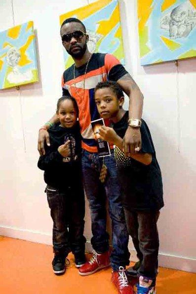 Leeroy et Kyle des Young Boyzz avec leur ami  Fally ipupa Dicap la merveille