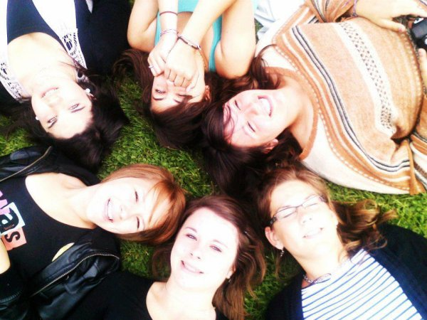 We're made to be friends ♥