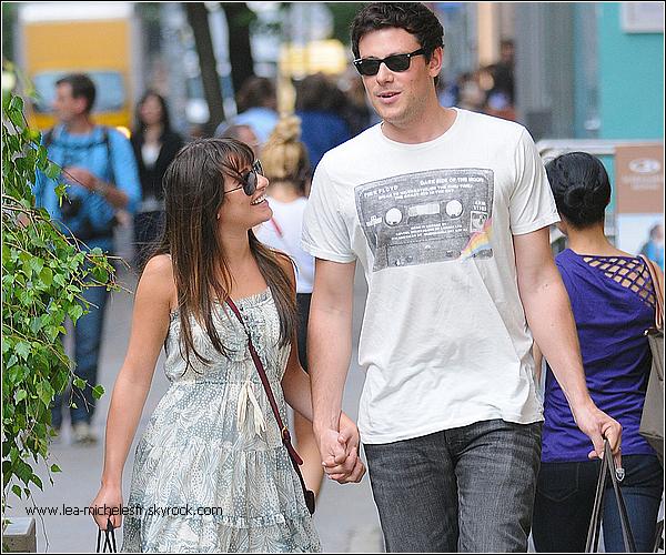 - 16.05.2012. Lea ,en compagnie de son boyfriend Cory, faisait du shopping dans cette après-midi ensoleillé dans Soho à New York. TOP -