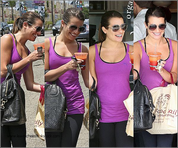 - 15/06/2012. Lea, sortant encore d'une salle de sport, est allée s'acheter quelques emplettes. Quel sourire magnifique, je meurs! Une nouvelle photo d'un shoot vient d'apparaître.-