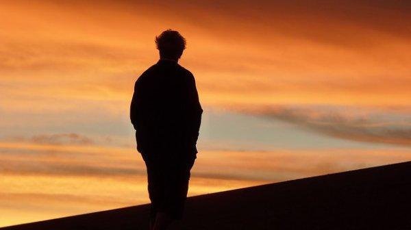 Même dans l'Sahara j'refuserais ton verre d'eau