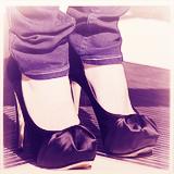 Avril Lavigne et ses chaussures.