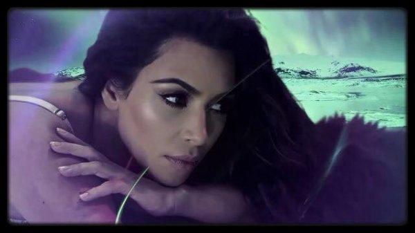 Kim et son nouveau shooting pour Love Magazine et leur calendrier de l'avent, elle est sublime !