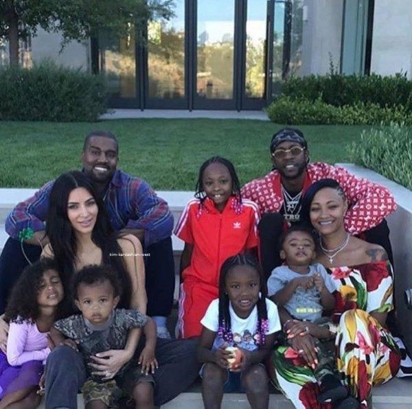 Nouvelle photo de Kim en famille avec les enfants datant du 2 juillet !