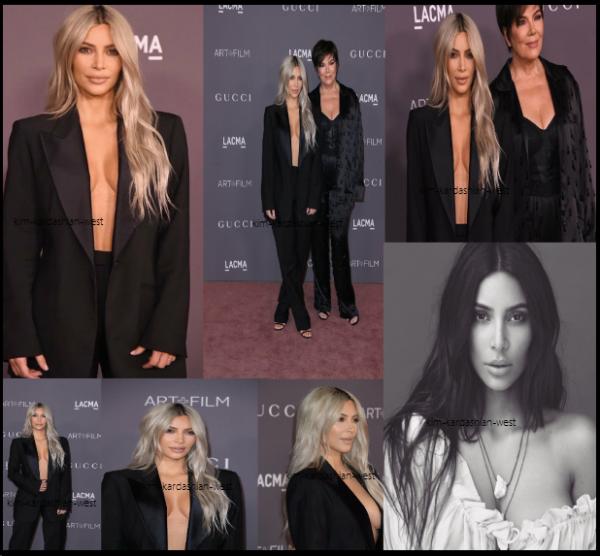 4 novembre 2017 : Kim était présente avec sa mère Kris lors de l'evenement LACMA ART FILM GALA qui se déroulait à Los Angeles. Elle est sublime ! Le 15 novembre, Kim sortira son nouveau parfum, une nouvelle photo promo vient de sortir en noir et blanc !
