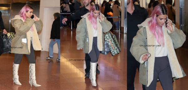 27.02.18 : Kim a pris un vol pour Tokyo et a été vue à l'aéroport avec....... des cheveux roses ! Je n'approuve pas du tout cette couleur !
