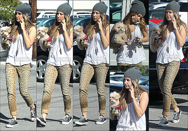 16/04/13 - Ashley Tisdale a était vue se baladant des les rues de  Studio City accroché a son portable dans  Los Angeles.