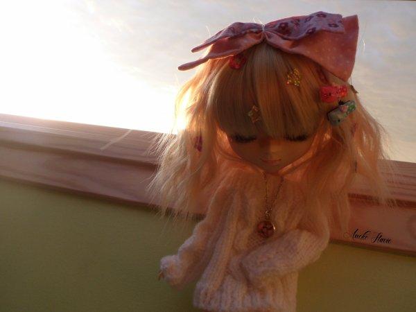 PHOTOSHOOT: Lili, aux derniers rayons de soleil