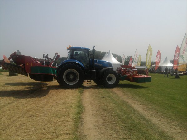 new holland et faucheuse kverneland