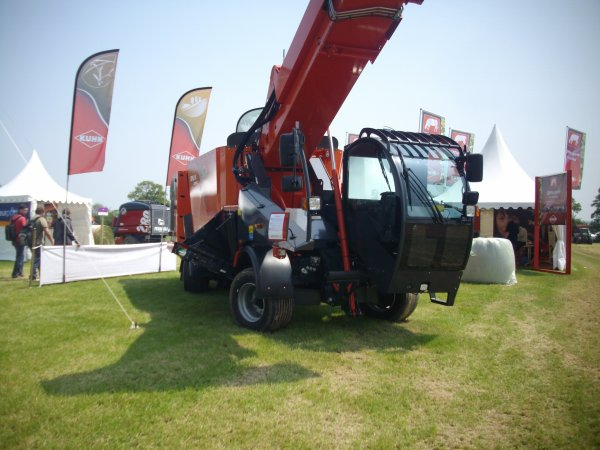kuhn automotrice spw 14 compact