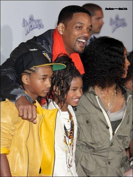 Jaden et toute sa famille se présente à une avant première,laquelle ? Pas celle de Mortel St-Valentin mais du film Never Say never (l)