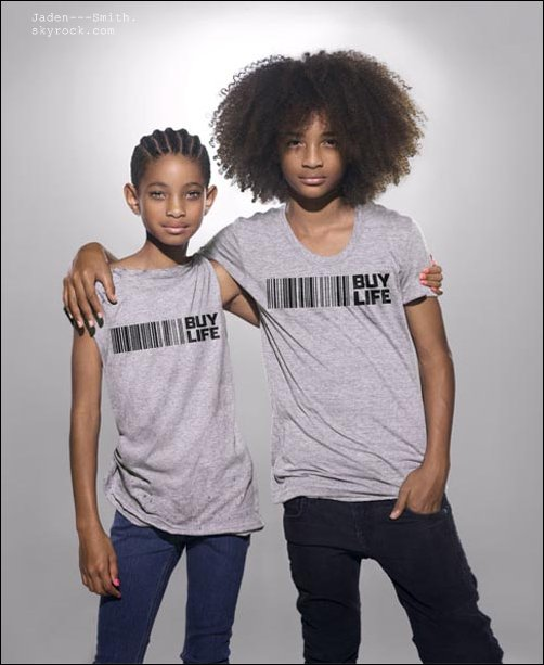 Jaden et sa soeur Willow luttent contre le sida ! Si vous l'avez remarquer vu leurs regards ils sont très impliqué dans cette pub !