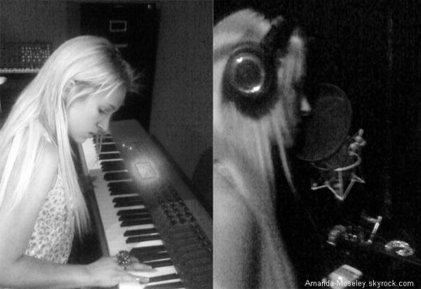 . .  Mandy au studio + Mandy au centre commercial (: . .