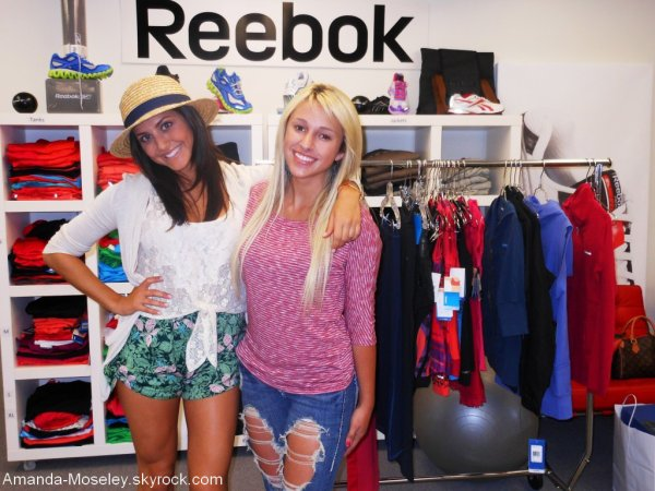 . .  Mandy rencontre Cassie Scerbo + Une autre photo de Mandy et Christian Beadles (: ENJOY !  . .