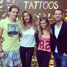 Nicole Coullier et Roberto Ciurleo, les producteurs, avec Caroline Costa et Nyco Lilliu