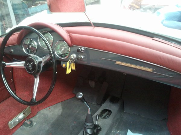NOUVEAU TABLEAU DE BORD POUR CETTE 356 SPEEDSTER CABRIO PORSCHE