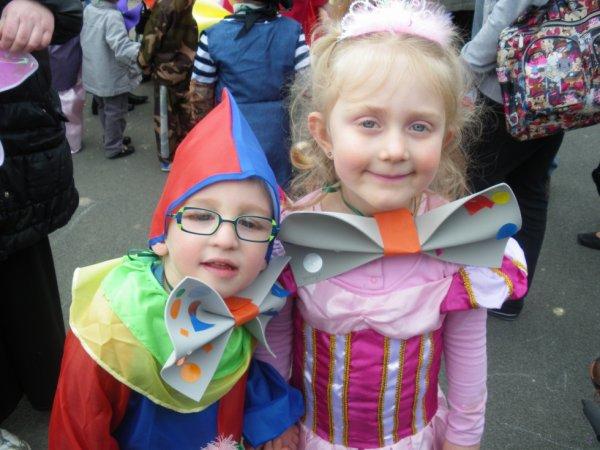 loulou au carnaval de l'école