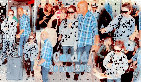 Article 5# CANDID du 20/08/13 Voici quelques photos de Lily qui arrive a l'aéroport de Berlin, elle a meme pris le temps de faire quelques photos et autographes avec ses fan. qui pense tu du look de lily? Aurais tu aimer la rencontrer a l'aéroport ?