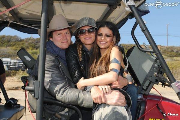 PHOTOS DU TOURNAGE DE LOVE YOU LIKE A LOVE SONG!!!