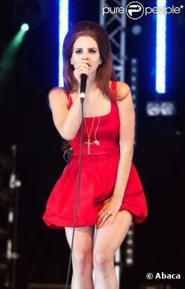 LANA DEL REY AU FESTIVAL DE LA BBC RADIO 1 HACKNEY WEEK END A VICTORIA PARK