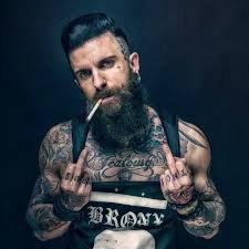 je suis tatouer et je te fuck !