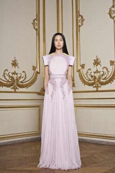 Défilé Haute Couture Givenchy Printemps-Été 2011