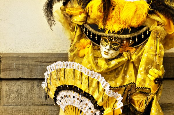 Aujourd'hui quelques vues du carnaval de Rosheim en Alsace. Site : http://www.deliciarum.info