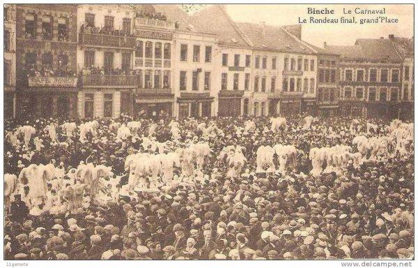 Le carnaval de Binche photo ancienne: le rondeau final