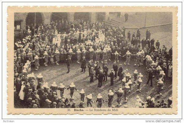 Le carnaval de Binche photo ancienne: le rondeau de midi