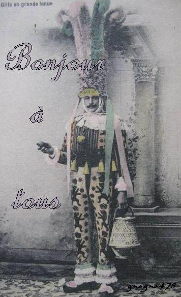 Bonjour à tous, aujourd'hui le carnaval de Binche illustré par une carte postale ancienne montrant un Gille en grande tenue