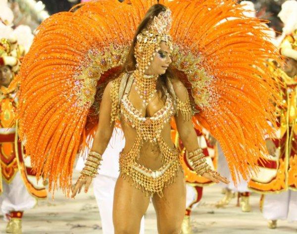 Pour terminer, le plus beau carnaval du monde - le carnaval de Rio -