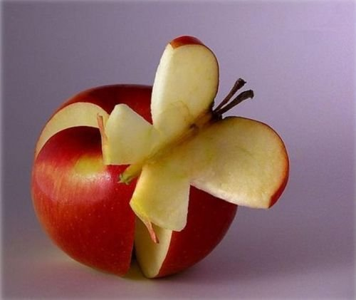 Aujourd'hui, les sculptures de fruits.