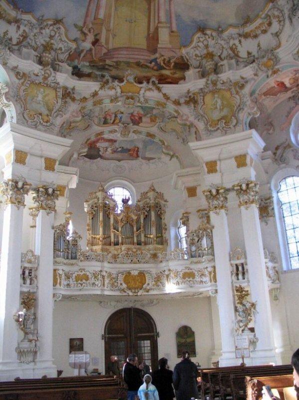 Aujourd'hui, pour terminer la série sur la Bavière, je vous emmène en voyage photos à l'église de Wies.