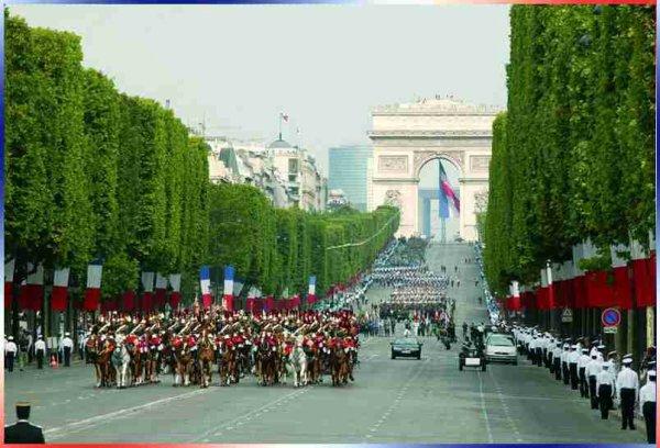 Superbe défilé à Paris
