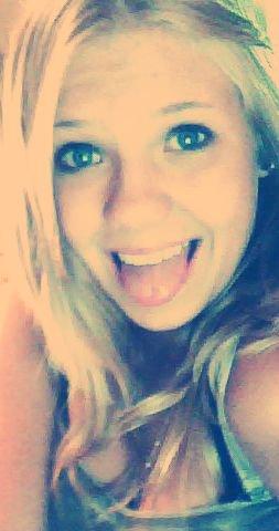 - Au pire je t'aime, au mieux toi aussi. ♥