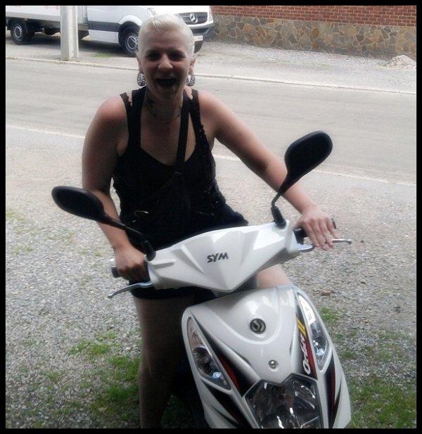 c'est bibi en scooter ;)