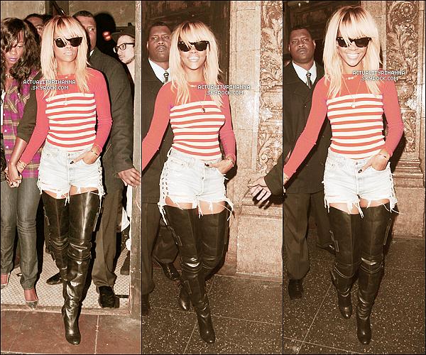 """. 02 février - Rihanna a été vue sortant du club """"Roxbury"""" toujours à Los Angeles. Top ou Flop ?Elle est magnifique, mais par contre je n'aime pas trop son haut, un BOF pour moi.."""