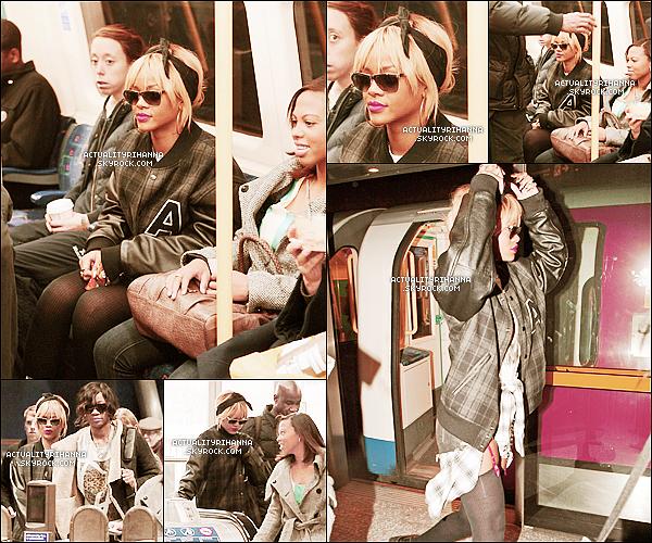 """. 20 février - Rihanna quittait son hôtel le jour de son anniversaire accompagnée de quelques fans.Les fans ont chanté pour Rihanna devant son hôtel ! Puis Rihanna est allée au restaurant """"Nozomi"""" le soir.."""