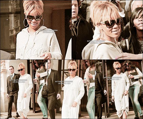 """. 21 février - Rihanna sortait de son hôtel à Londres entourée de fans et de paparrazzis. Top ou Flop ?Les remix des chansons """"Birthday Cake"""" et de """"Turn Up The Music"""" avec Chris Brown sont apparus ! Qu'en pensez-vous?."""