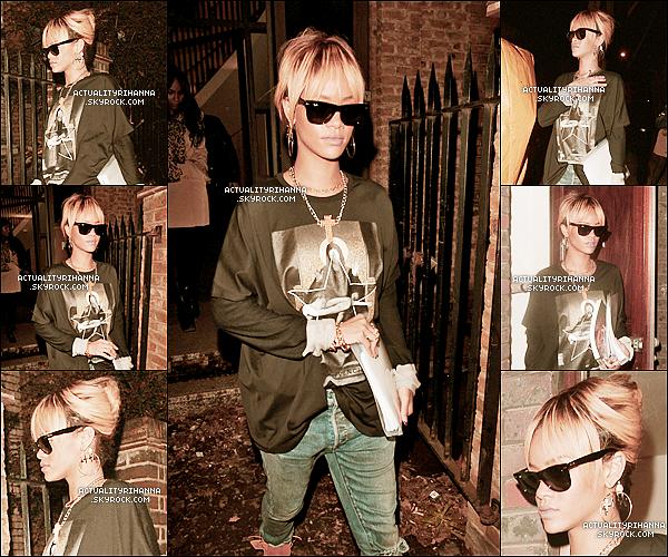 . 23 février - Rihanna sort d'un bâtiment inconnu à Londres. Top ou Flop ?Le 24 février, Rihanna sortait de son hôtel puis tournait une vidéo à Londres. Qu'en penses-tu?.
