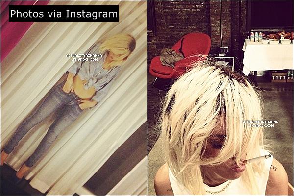 """. 12 mars - Rihanna quittait son hôtel et se rendait aux studios """"Milk Studios"""" pour un photoshoot.Puis le soir Riri rentrait dans son hôtel puis sortait d'un club New-Yorkais. Sublime ! Que penses-tu de la tenue?."""