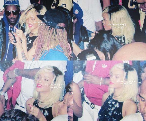""". 19 MARS - Rihanna quittait le restaurant """"Montage"""" à Los Angeles. Tu aimes la tenue ?La belle est ensuite sortie dans la boîte de nuit """"Colony Club"""" toujours à LA, où elle s'est amusée comme une folle.."""
