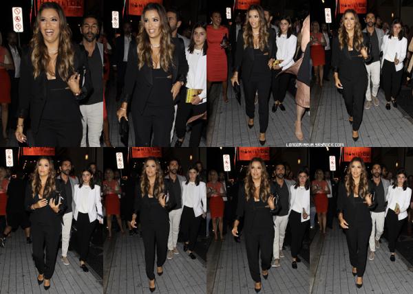 16/08/17 : Eva était de sortie à Los Angeles, en - Californie. Eva est vraiment belle, GROS TOP ! Qu'en pensez vous ? [/font=Arial]