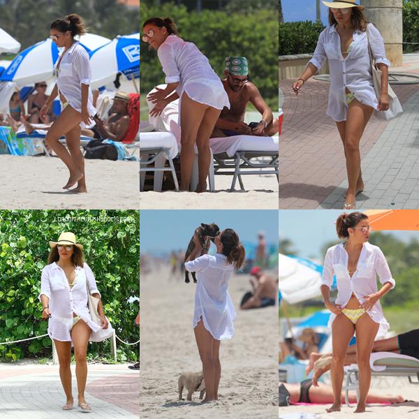 06/08/17 : Eva se trouvait sur une plage à - Miami. Eva est magnifique, qu'en penses-tu ?[/font=Arial]
