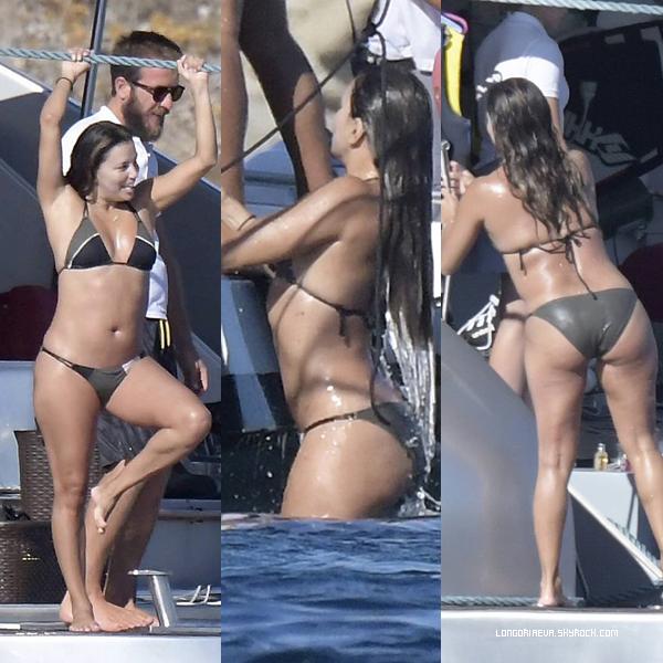 07/09/17 : Eva étant sur un yacht, à - Athènes. Peu de photos car beaucoup sont de mauvaise qualité dommage.. [/font=Arial]