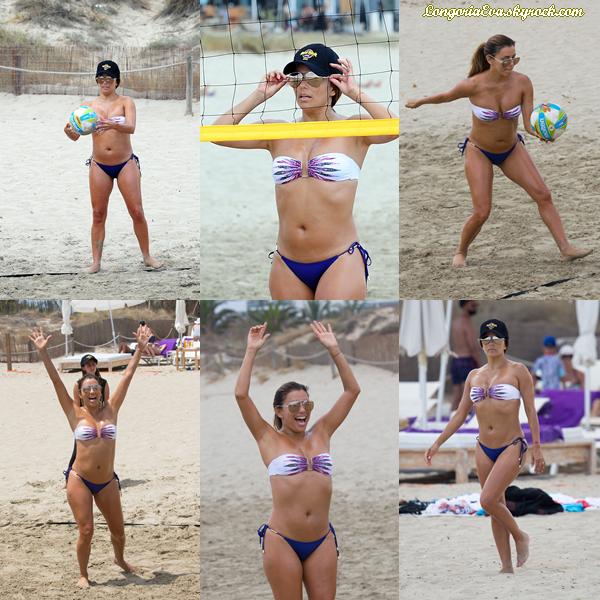 21/07/17 : Eva a été photographiée jouant à un match de Beach Volley à Ibiza , en - Espagne. Concernant sa tenue il y a rien à dire puisque c'est un maillot de bain.
